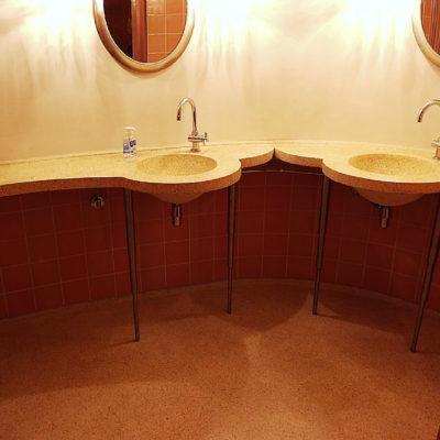 wc-room